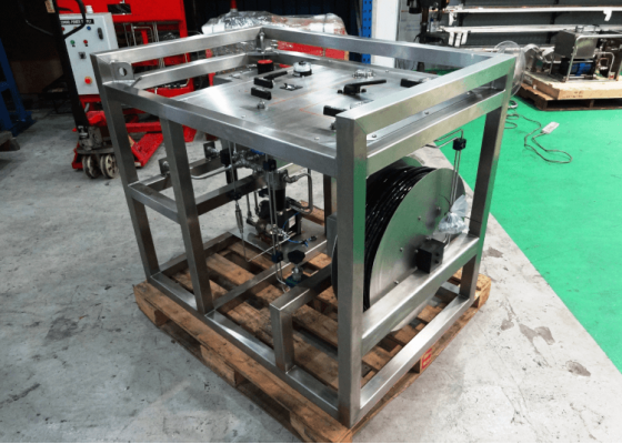 CONTROL SYSTEM WITH HIGH PRESSURE HOSEREEL